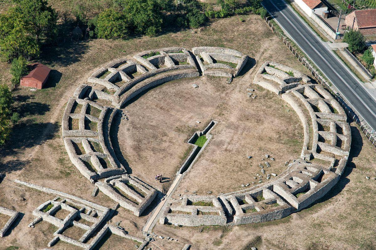 ROMANIA / L'Anfiteatro e il Foro romano di Ulpia Traiana saranno ricostruiti e riutilizzati