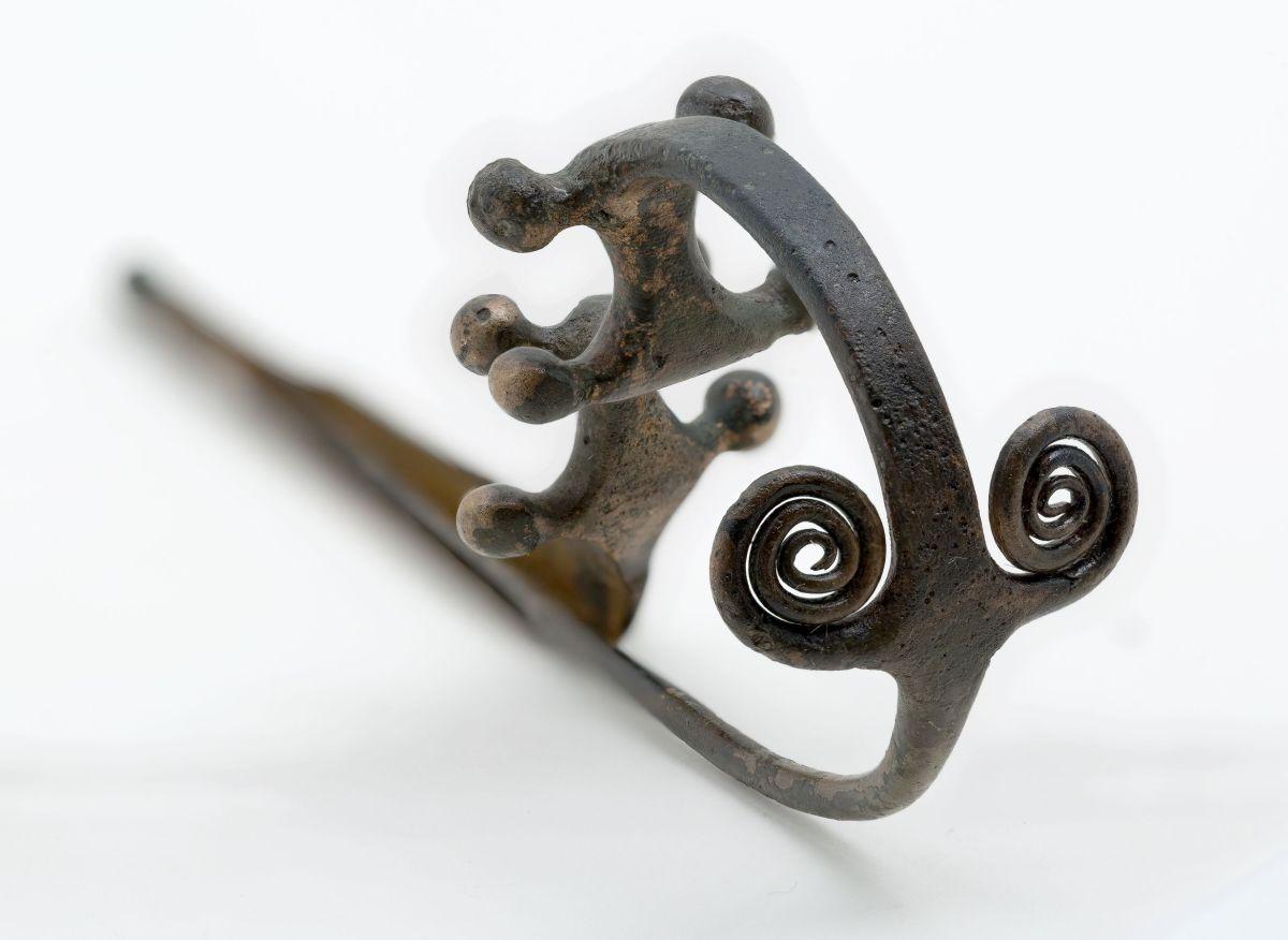 """MOSTRE / """"Prima del bottone"""": a Torino accessori e ornamenti del vestiario nell'antichità [FOTO]"""