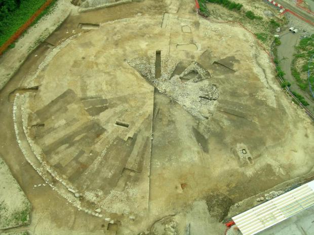 Veduta generale del cantiere di scavo in occasione della costruzione del Nuovo Ospedale sant_Anna di Como (2007)_© MIBACT