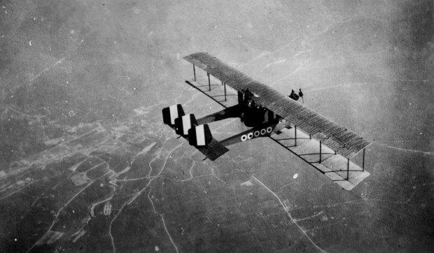 Fig.5. Archivio Gerardo Neri, Bombardiere serie Caproni