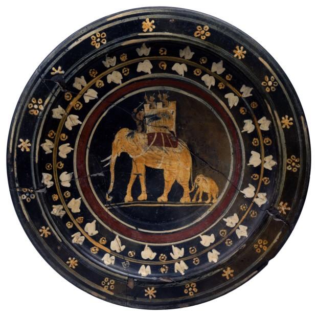 Piatto con elefante da Capena, Museo di Villa Giulia (Roma)