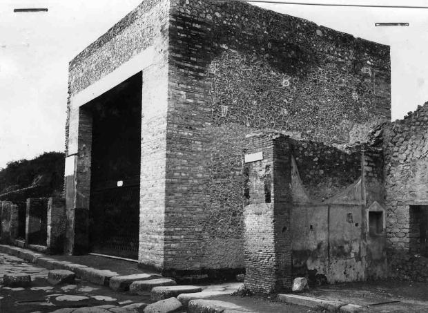 4. La ricostruzione di Maiuri
