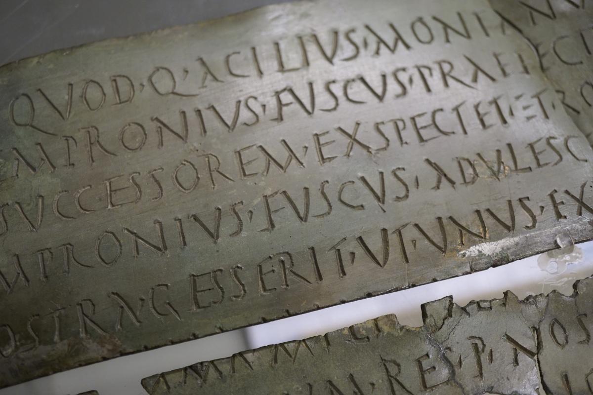 """MOSTRE / """"Bergomum. Un colle che divenne città"""": 40 anni di scavi ricostruiscono il volto antico di Bergamo [FOTO]"""
