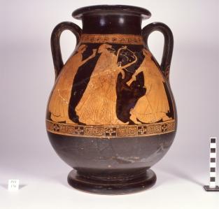 Musei Capitolini, Collezione Castellani, inv. Ca 176. Pelike attica a figure rosse con scena musicale. Attribuita al Pittore del Louvre G238. Databile intorno al 470 a.C.