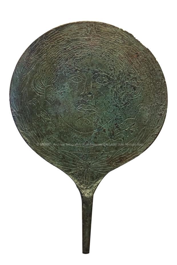 13_Specchio etrusco da Tarquinia