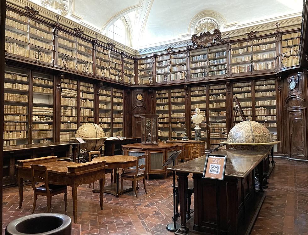 Interno della Biblioteca Lancisiana